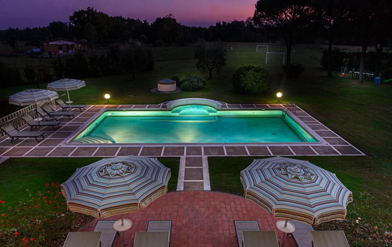 Il tramonto sulla Villa